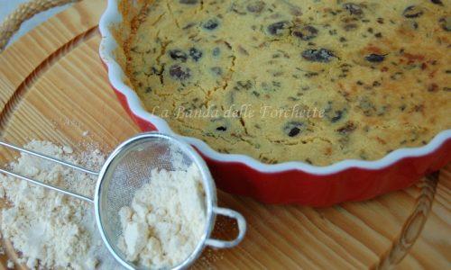 Torta con farina di ceci, cipolla rossa di Tropea e olive taggiasche