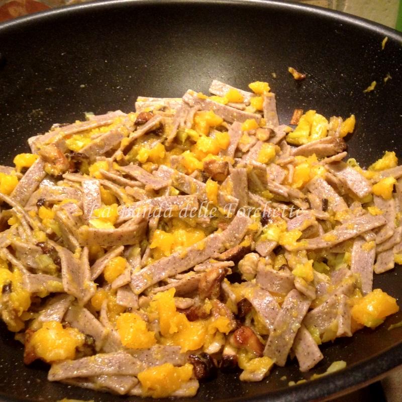 Pizzoccheri alla zucca e funghi porcini