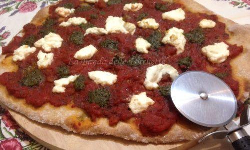 Pizza senza lievito, farina di farro integrale e granturco