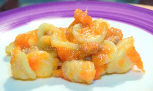 Orecchiette alla zucca, salsiccia e Castelmagno