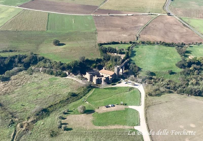 Avioturismo Italia Lazio Castello della Badia Vulci