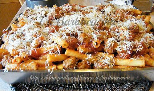 Pasta al forno con polpettine di carne, ricetta della domenica