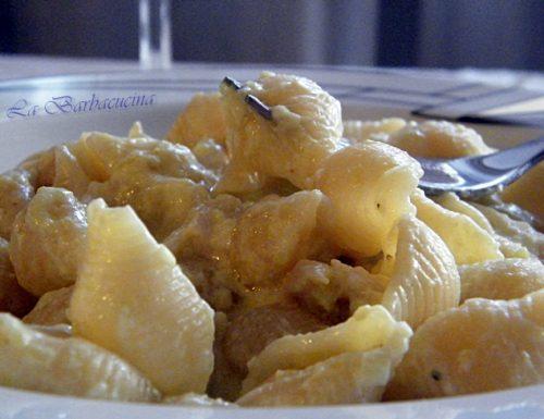 Pasta con pollo e crema di porri, ricetta primi piatti