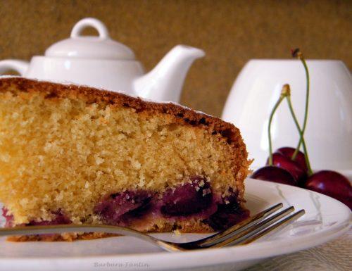 Torta con ciliegie, ricetta dolce