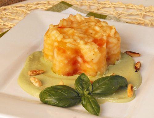 Risotto al pomodoro fresco,crema basilico e pinoli tostati