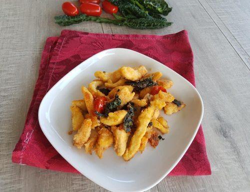 Straccetti di pollo con pomodorini e cavolo nero