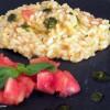 Risotto con pomodoro fresco mantecato al pesto