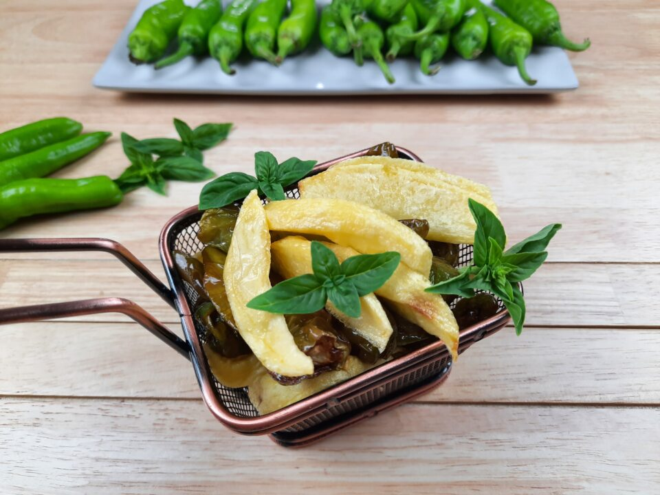 ricetta peperoncini verdi e patate
