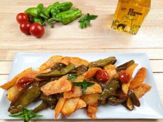 ciambotta di peperoncini verdi e patate