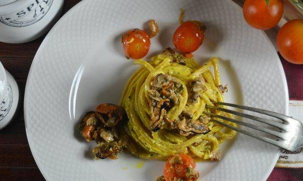 Spaghetti alla chitarra con vongole e cozze