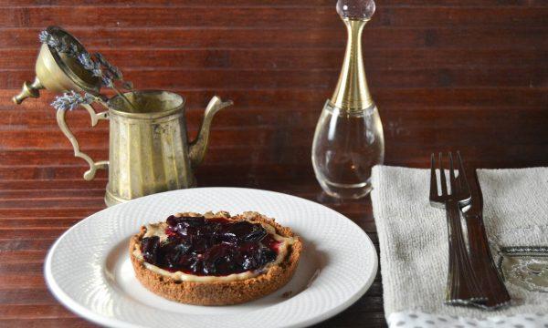 Tortine senza cottura con yogurt e ciliegie