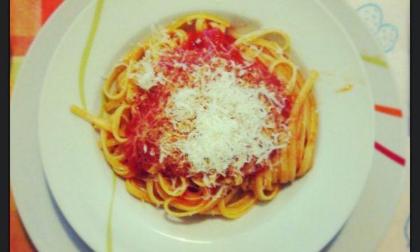 Italian classic sugo (tomato sauce)