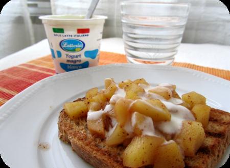 Pane tostato con mela alla cannella – Idee per colazione