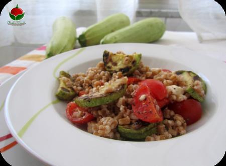 Farro con zucchine e pomodori
