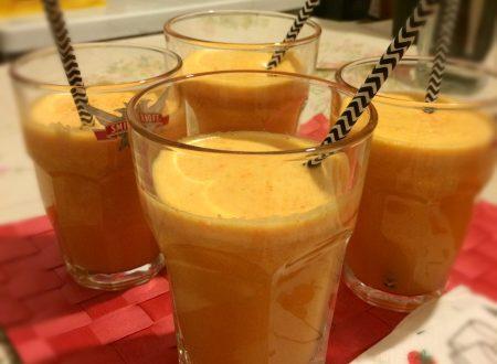 Centrifugato carote mele arance e limone