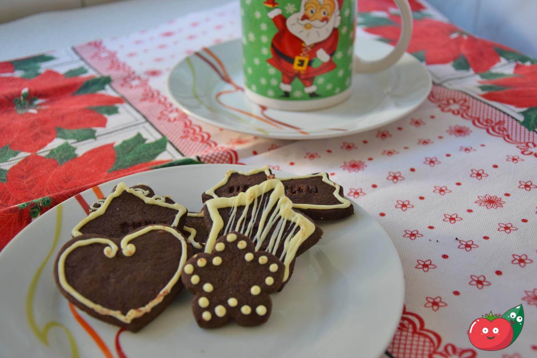 Biscotti natalizi al cacao e arancia
