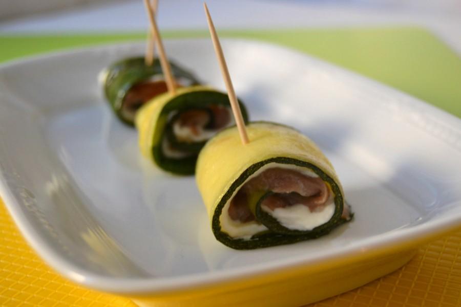 rotolini-di-zucchine-e-salmone