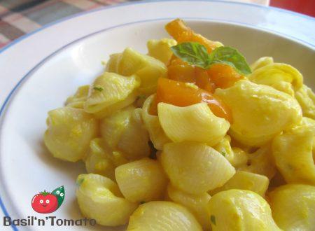 Pipe rigate con peperoni gialli e basilico