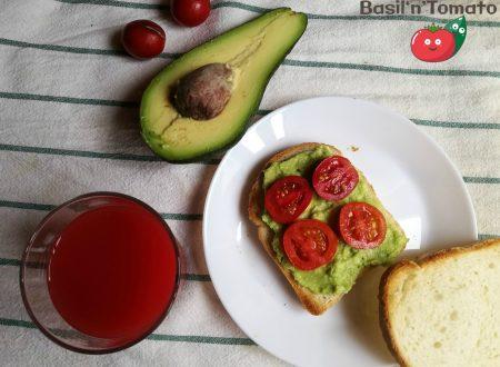 Avocado toast per una colazione speciale