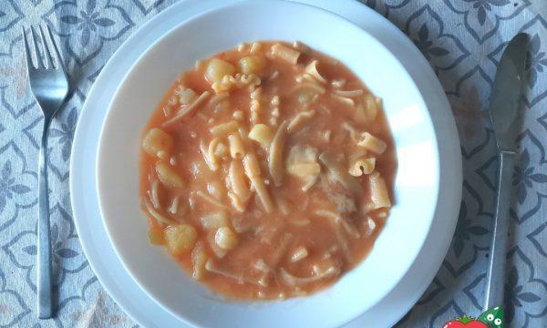 Pasta patate e provola ricetta napoletana