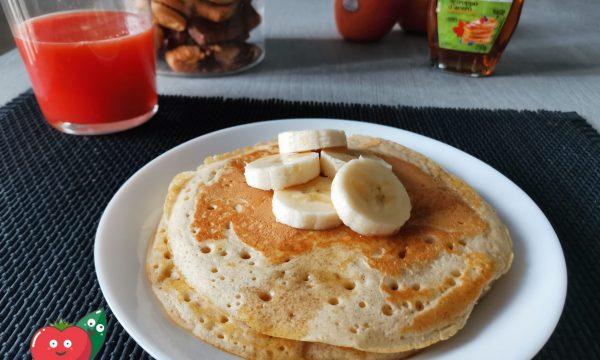 Pancakes con banana e sciroppo d'acero