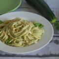 pasta con zucchine mandorle e ricotta