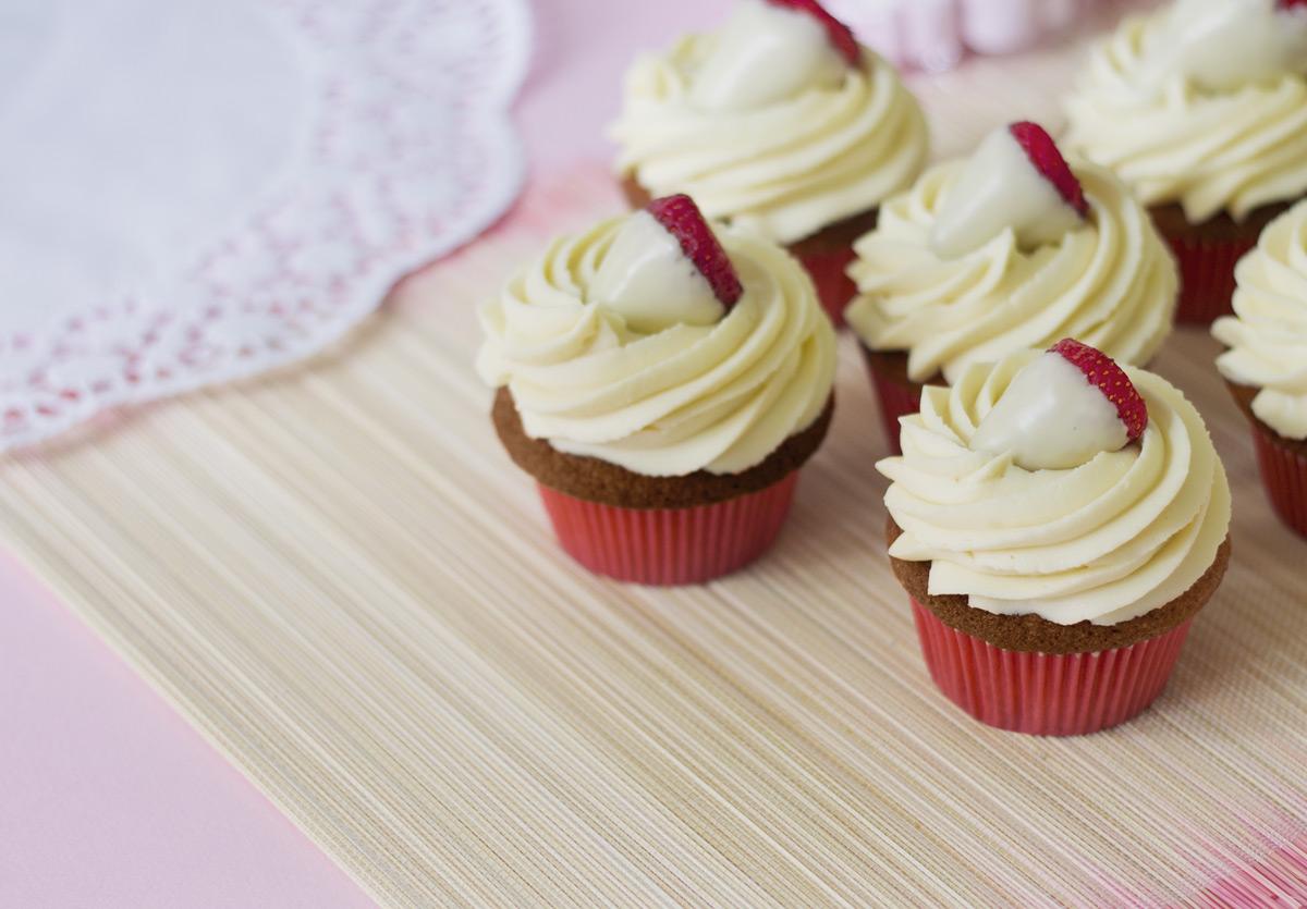 cupcakes al cioccolato bianco e fragole