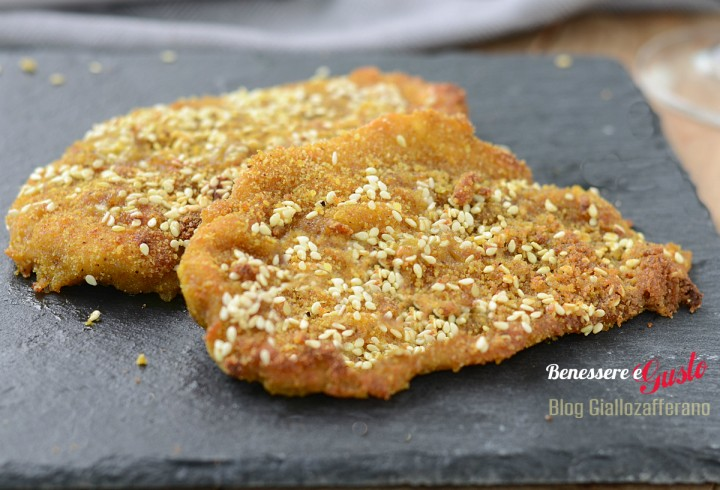Pollo con panatura curry e sesamo