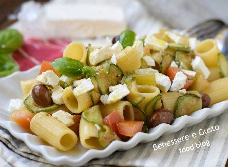 PASTA FREDDA ALLA GRECA - con feta zucchine e pomodori