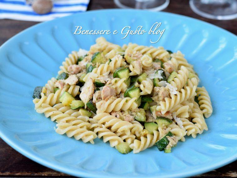 Pasta zucchine e tonno ricetta light
