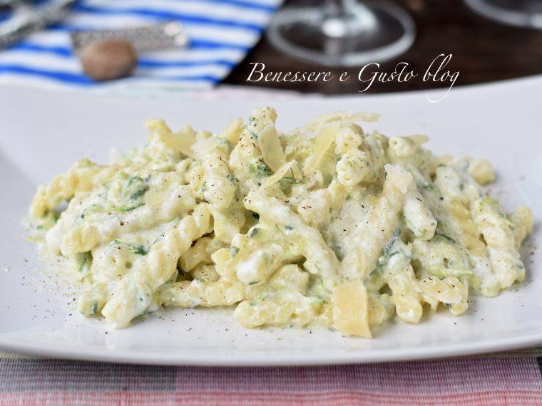 Pasta ricotta e zucchine