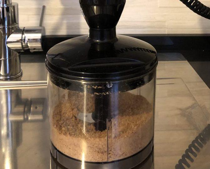 frullare biscotti con mixer