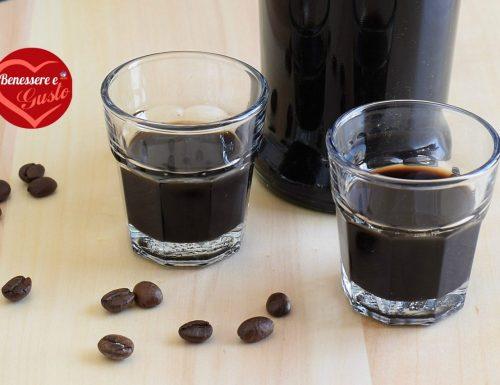 Liquore al caffè: ricetta facile e veloce per prepararlo in casa