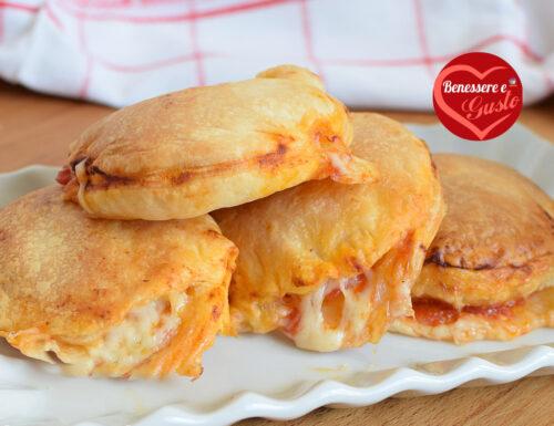 PIZZETTE RIPIENE DI PASTA SFOGLIA (pizzette sfoglia) o pizzette di pasta sfoglia chiuse