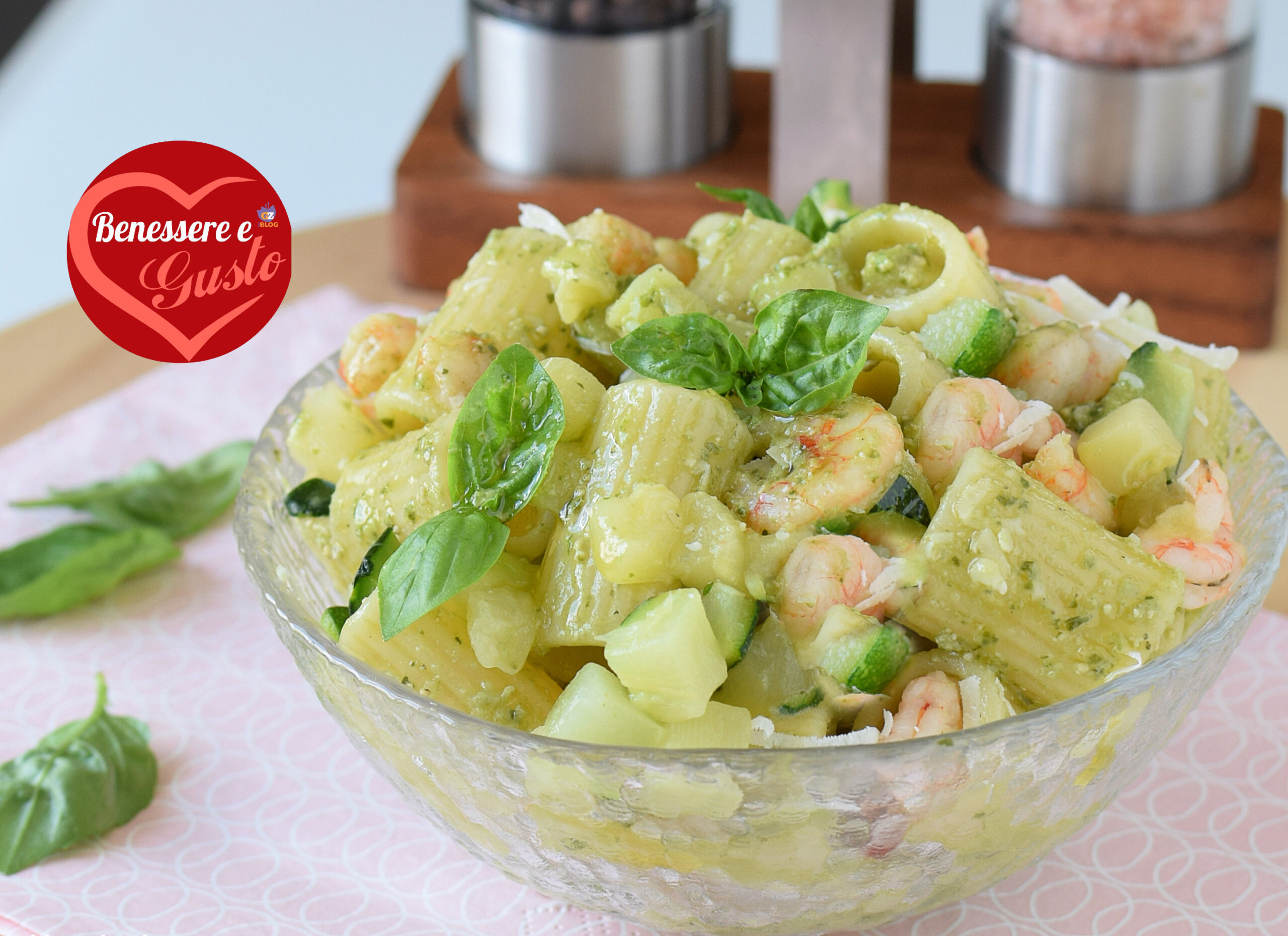 Insalata di pasta zucchine e gamberetti