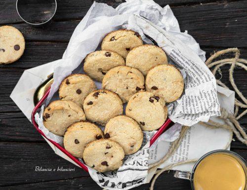 Biscottini al cocco con gocce di cioccolato fondente