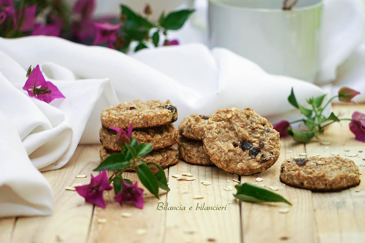 Biscotti ai fiocchi di avena con banana e prugne secche
