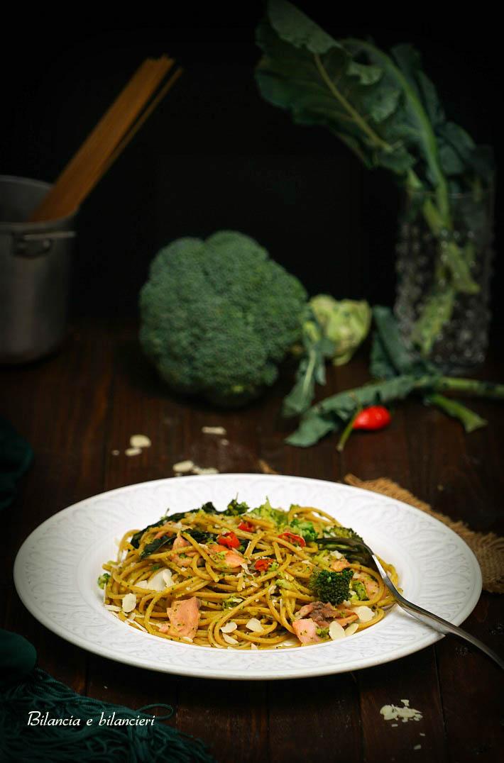 Spaghetti di kamut integrale con broccoli siciliani e salmone