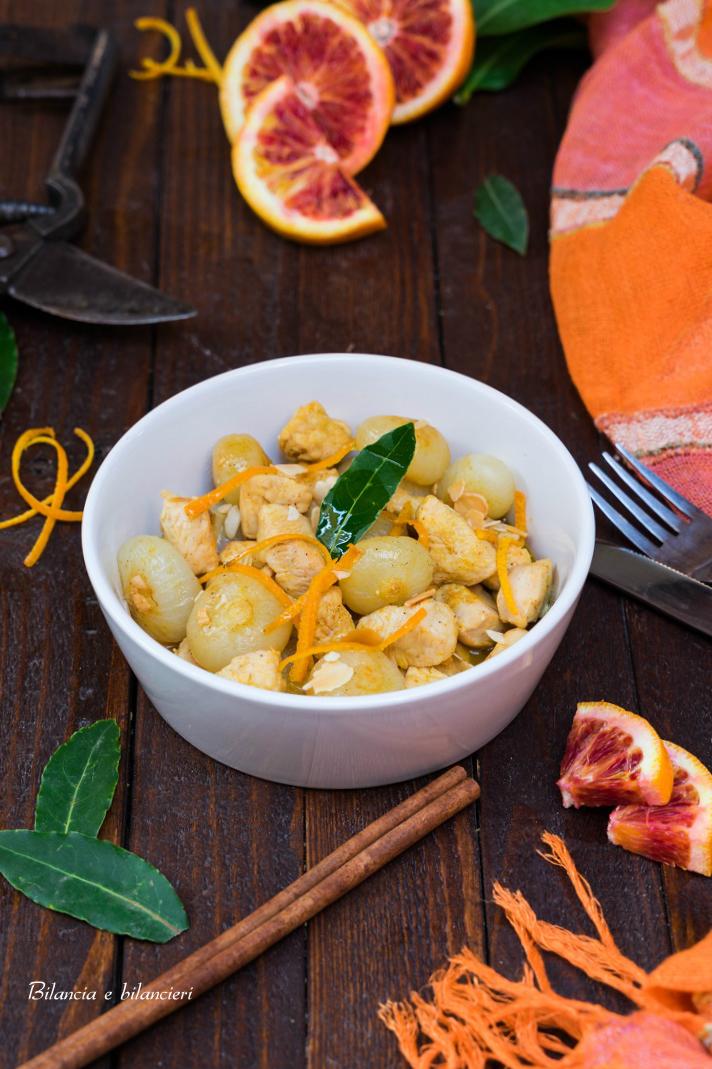 Bocconcini di pollo con cipolline all'arancia e cannella