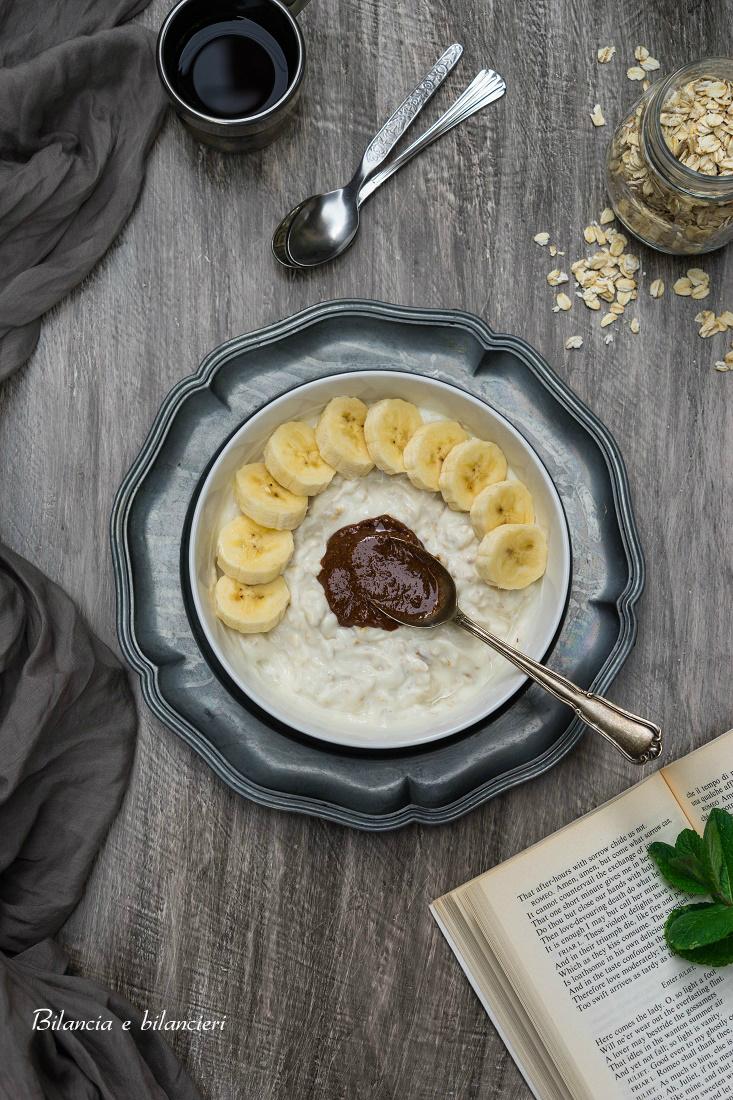 Overnight Oats di Yogurt al Cocco con Banana e Rawtella