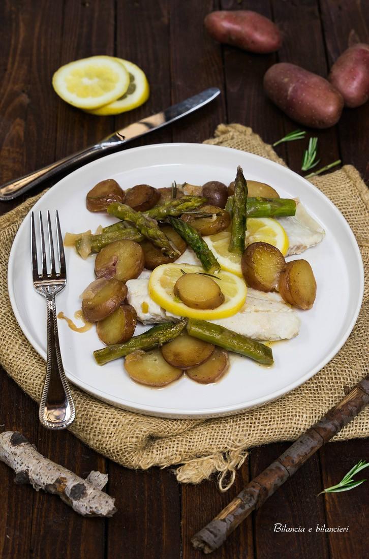Patate rosse con asparagi e filetti di merluzzo fresco for Casa del merluzzo