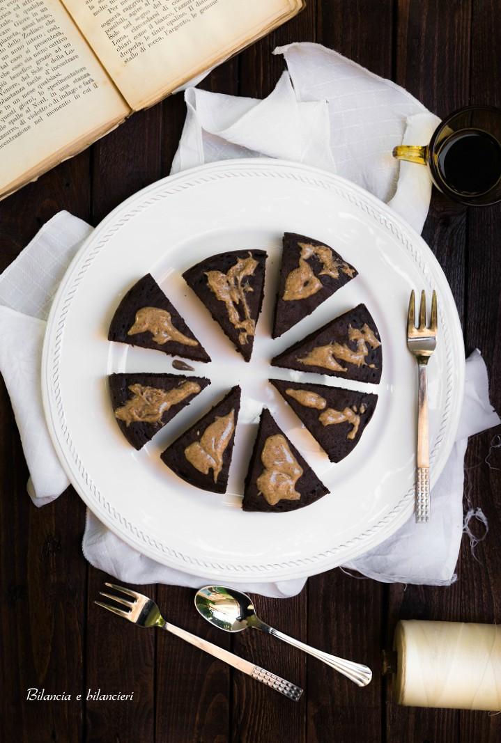 Pancake al Cacao Amaro con Crema di Mandorle Sgusciate