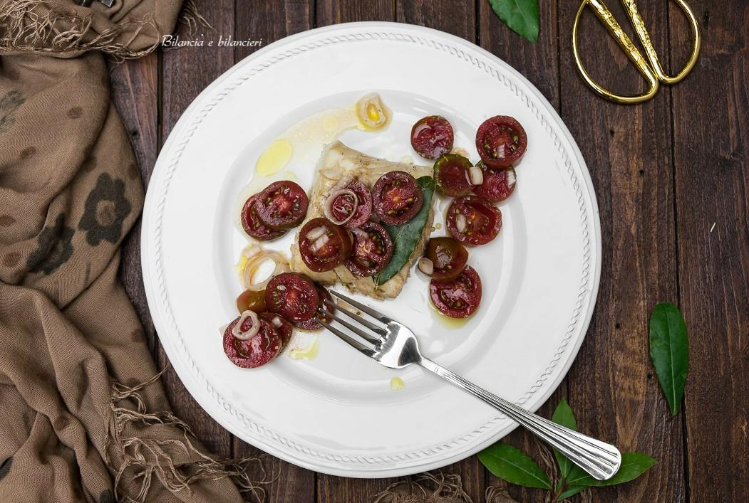 Cuore di merluzzo al profumo di alloro con pomodorini