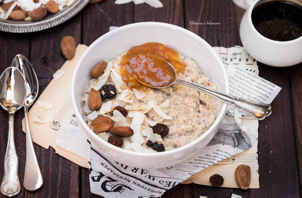 Porridge al mango e baobab con mix Inca e marmellata