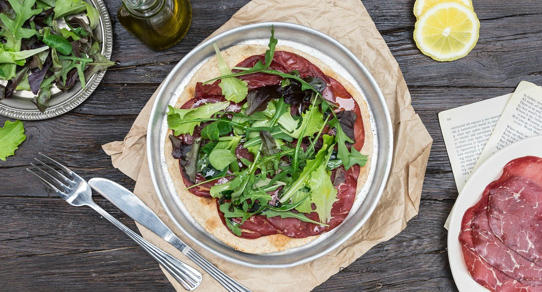 Piadina integrale con insalata mista e bresaola di black angus