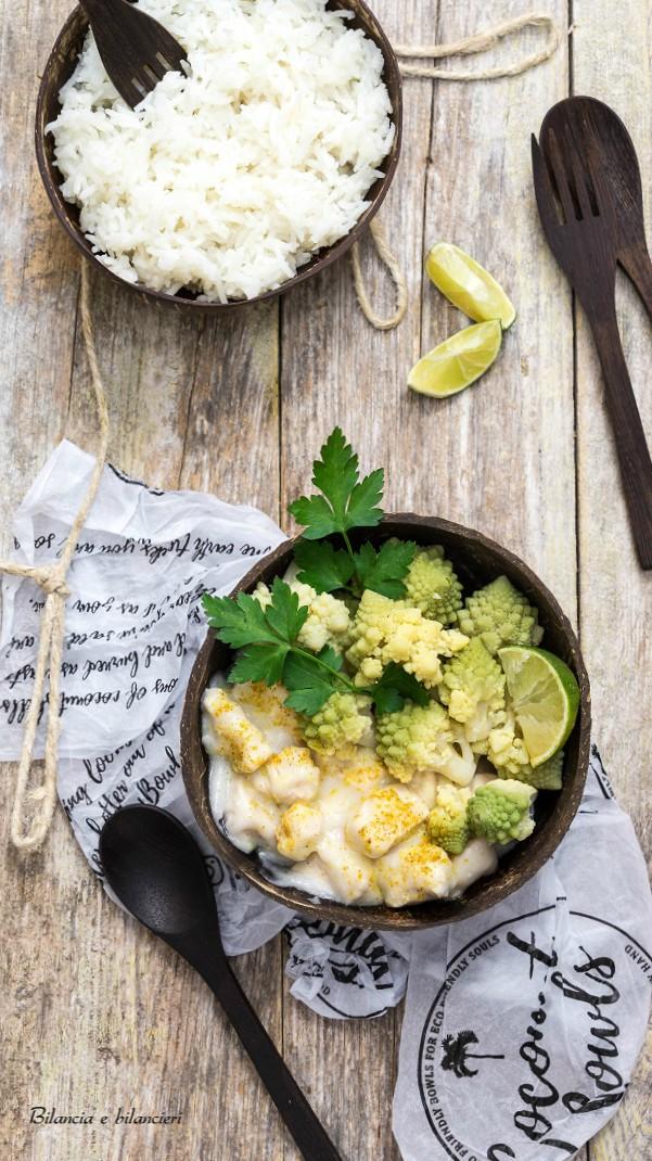 Riso basmati con pollo al cocco e broccolo romano