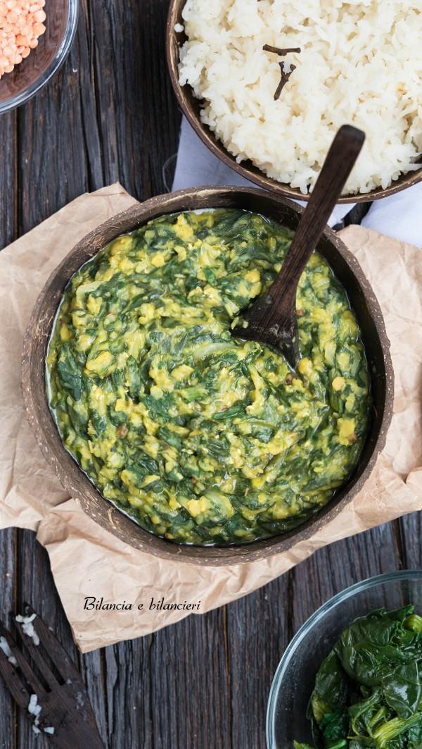 Dahl di lenticchie rosse decorticate agli spinaci con riso basmati