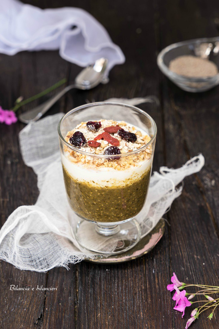 Chia Pudding di Frutta e Verdura con Yogurt e Muesli