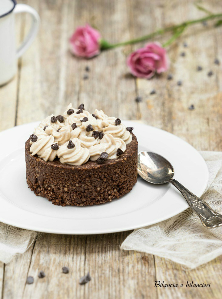 Tortina di Cous Cous al Cacao con Crema alla Maca