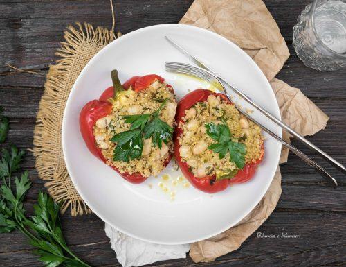 Peperone rosso ripieno di quinoa e fagioli cannellini al microonde